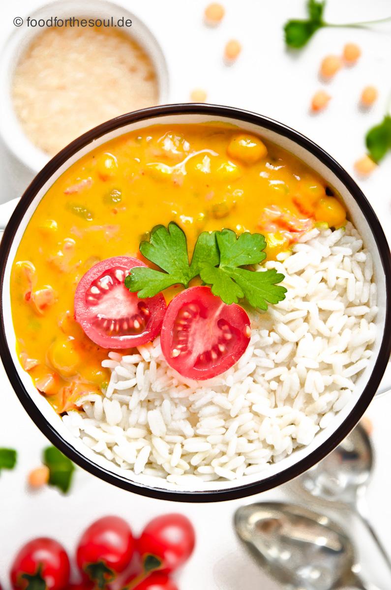 Kichererbsen Curry mit Tomat und Reis