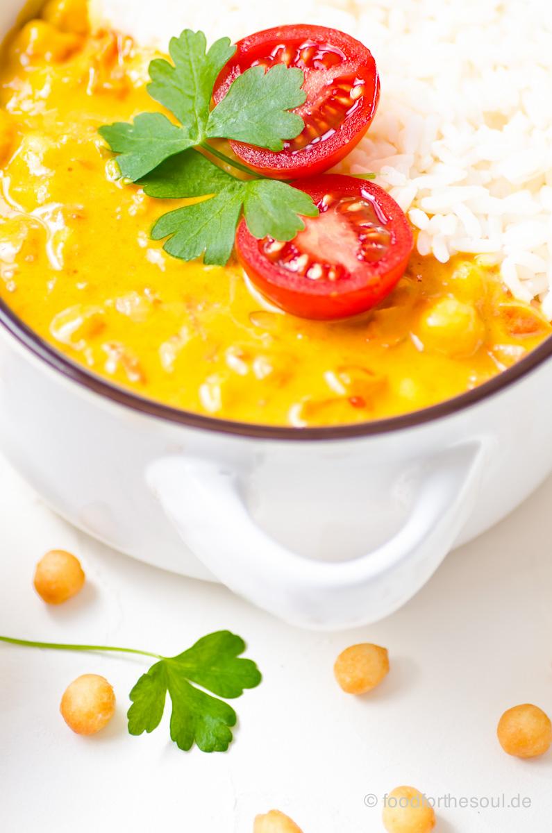 Kichererbsen Curry mit Tomate und Reis