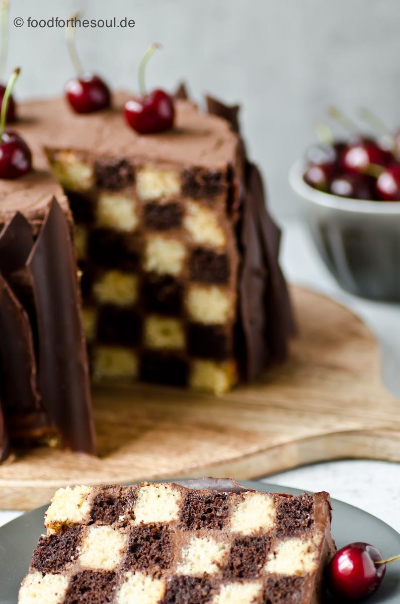 Torte mit Schachbrettmuster