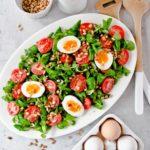Feldsalat mir Ei und Tomate