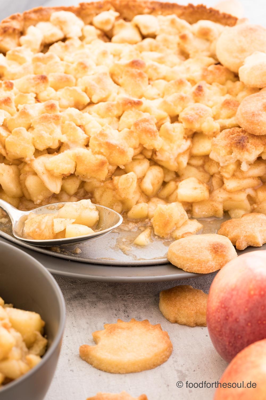 Herbstliches Apfel Crumble mit Zimt