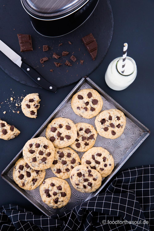 Ein Tablett mit den besten Chocolate Chip Cookies