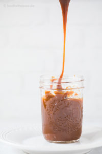 Karamell Sauce in Glas