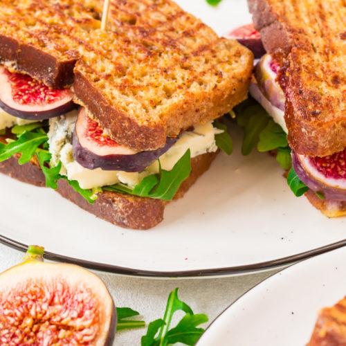 French Toast Sandwich mit Gorgonzola und Feigen