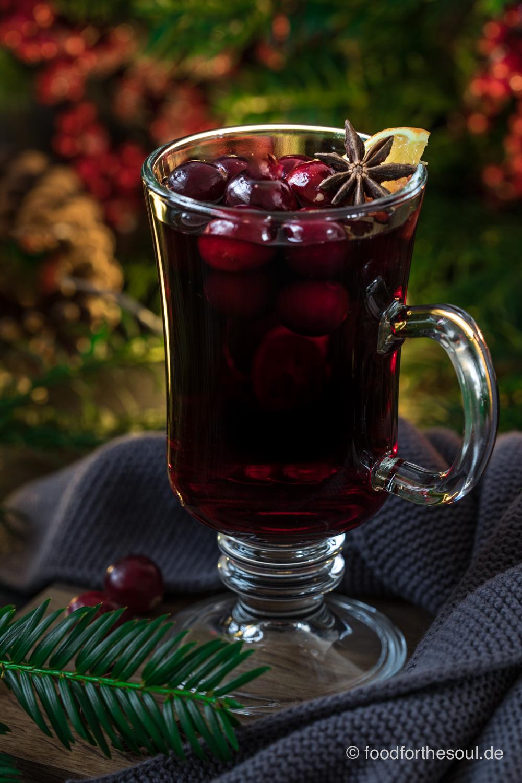 Cranberry Glühwein im Punsch Glas