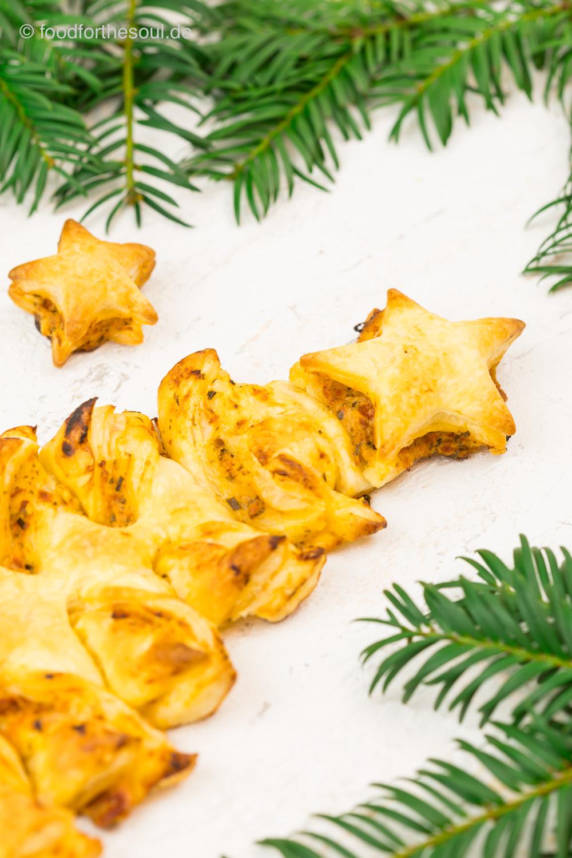 Schnelle Weihnachtsbaum Tomate Mozzarella Brotsticks