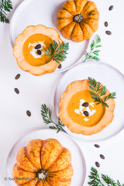 Cremige Kürbissuppe mit Karotten
