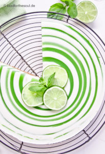 Limetten Joghurt Swirl Cheesecake ohne Backen Käsekuchen