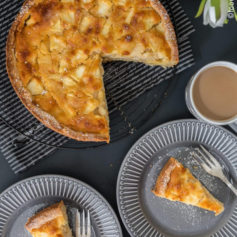 Versunkener Apfelkuchen mit Marzipan - food for the soul